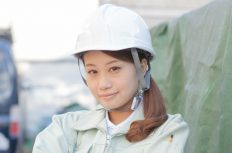 コン打ち後に「スナックのママ」に変身する若い女性建設技術者(けんせつ小町)の話