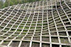現場管理者は浦島太郎。14年ぶりの法面工事で、ロープ高所作業も足場解体もできず…