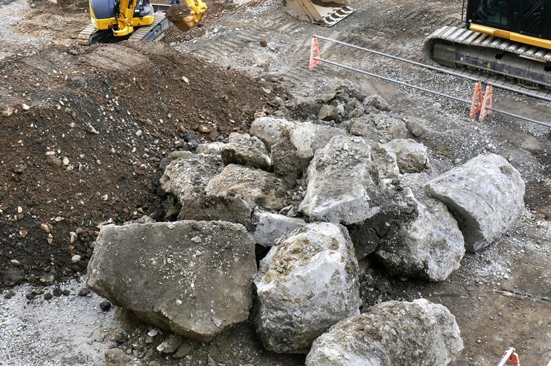 施工業者が嫌う「岩だらけの法面掘削」をいかに攻略すべきか?