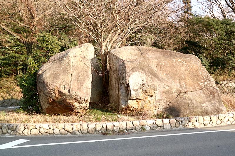 人が近寄ってはいけない岩?