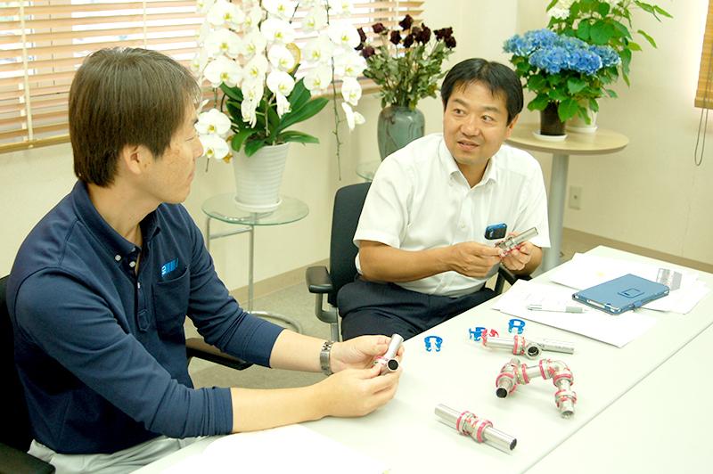 東尾メックの東尾清吾社長と福山潤さん