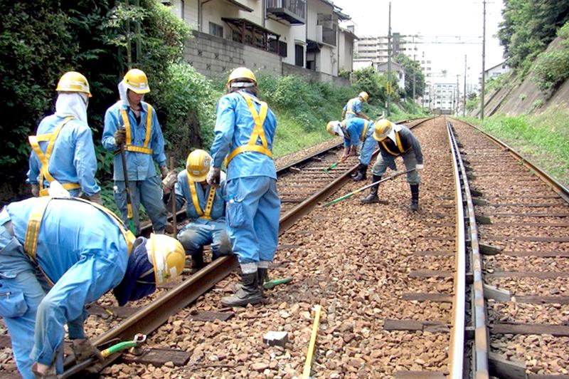 路面電車「ひろでん」を守るエキスパート。広電建設「鉄道軌道事業」の活躍