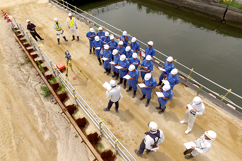 土木科専攻の高校生を対象に工事研修会を開催