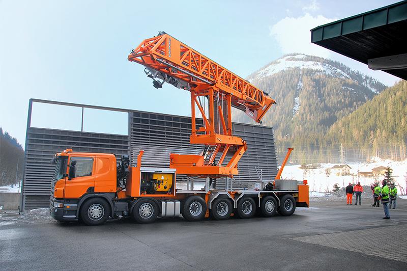 ドイツMOOG社製 大型橋梁点検車「MBI140」
