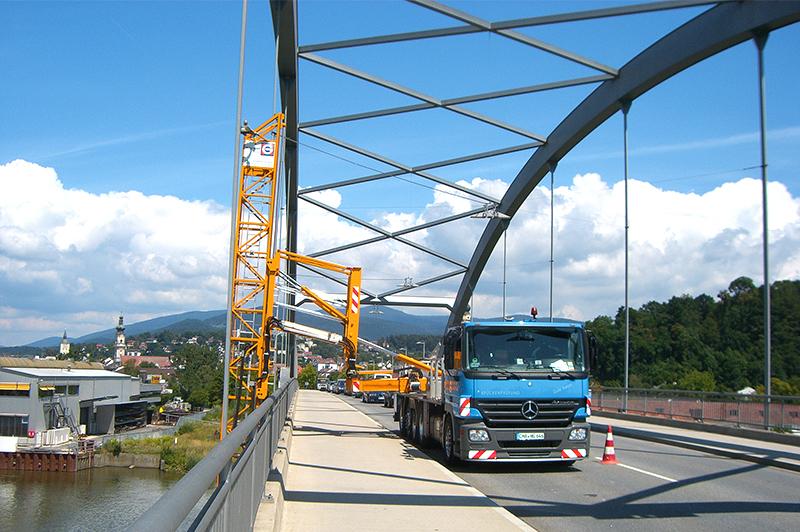 日本に20台しかない特殊車両も導入。橋梁メンテナンス事業に乗り出した格正建設の新挑戦