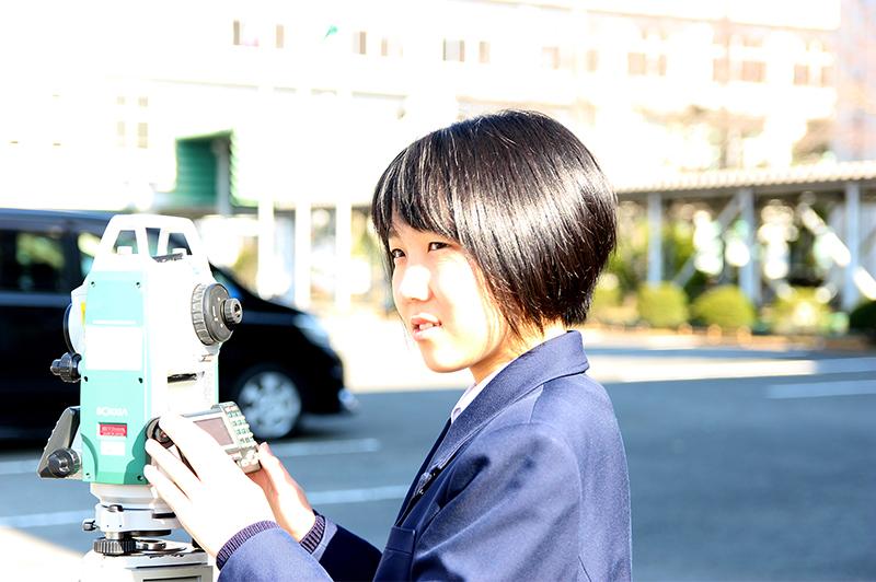 女子高生の「土木ポエム」が金賞!「今日も明日も測量します」「気泡は言うことを聞きません」