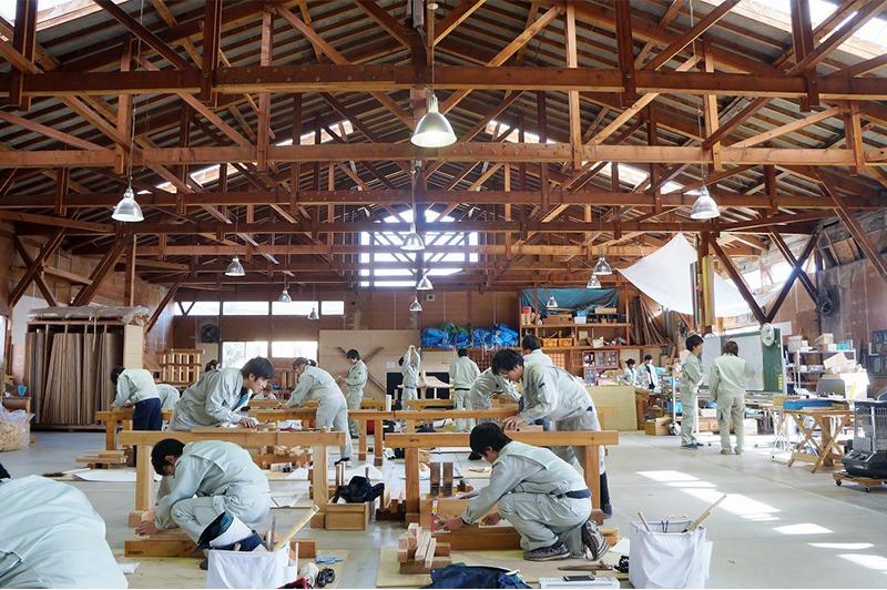 """「職人の徒弟制度は崩壊した」4年間も寝食を共にする日本建築専門学校の""""古き良き教育""""とは?"""