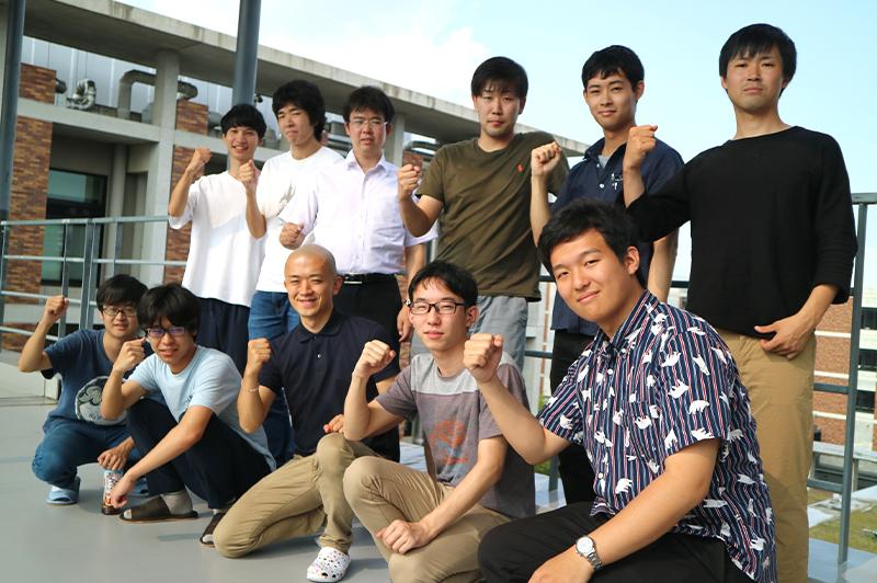 京都大学 工学部 藤井研究室の学生たち