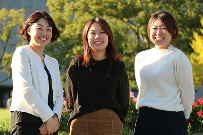 左から、高橋佑子さん(福岡県土整備事務所技術主査)、牛島幸子さん(朝倉県土整備事務所技師)、荒木翠子さん(都市計画課主任技師)