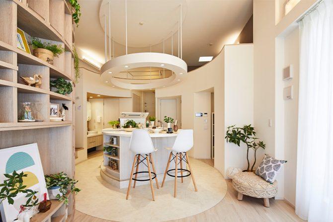 伊藤忠都市開発ゼクシィが考案しとた理想の新婚部屋「猫っぽカップルの気まま暮らしが叶う部屋」のリビング