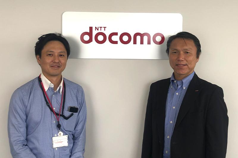 株式会社NTTドコモの5G・IoTビジネス部の仲田正一ビジネスイノベーション推進担当部長(右)と同部の中島厚生建設イノベーション担当課長(左)