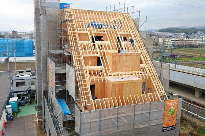 建築中のリヴ本社ビル(木造5階建て)