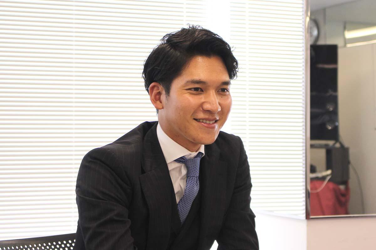 シーリングマジックについて解説する、株式会社TS東京の竹田悠人さん